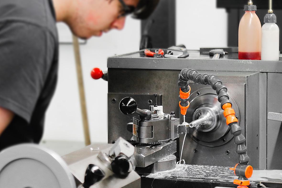 Polymécanicien, mécanicien de production / précision