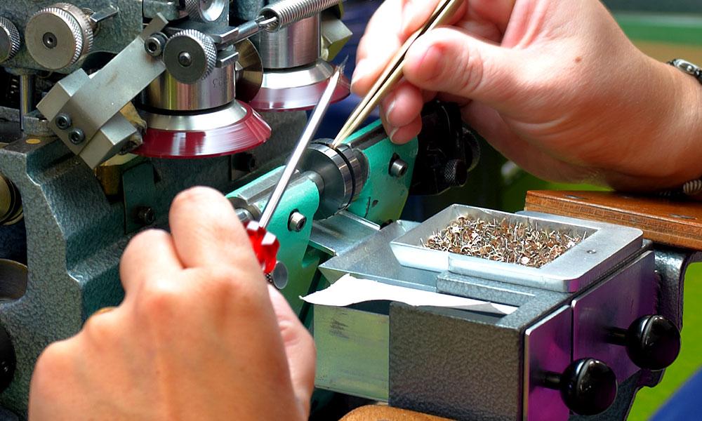 Apprentissage, formation mécanicien de production option roulage, rivage