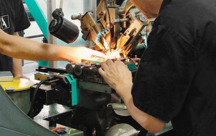 Apprentissage, formation mécanicien de production option décolletage, décolleteur