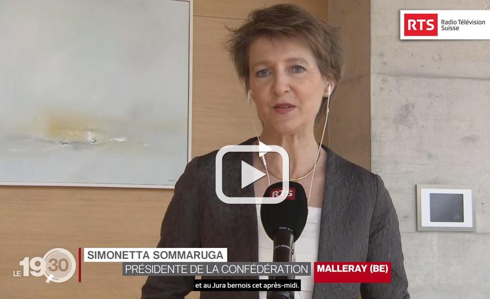 Mme Simonetta Sommaruga en visite dans les entreprises du Jura bernois | Télévision RTS